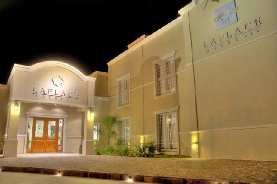 Laplace Hotel: Ingreso Principal