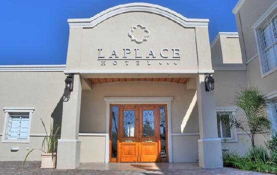 Laplace Hotel: Ingreso