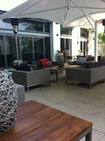 Rydges Campbelltown Sydney: Sitting area, spent most of my stay here.
