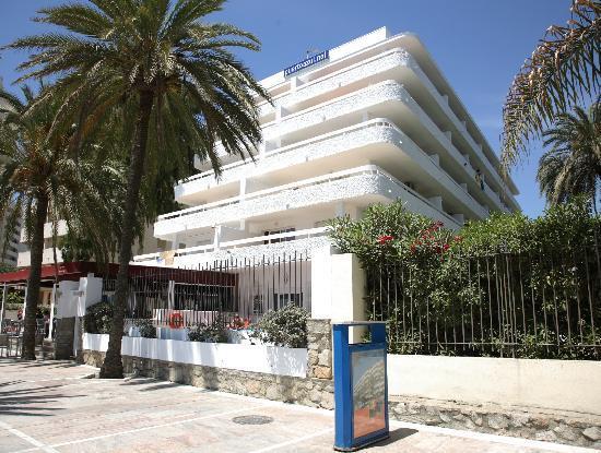 Aparthotel Puerto Azul Marbella: Beach Boulevard