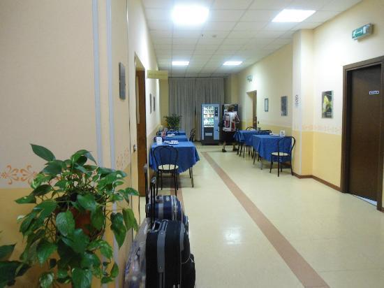 Casa per Ferie Congregazione Suore Domenicane del Sacro Cuore di Gesu: breakfast area