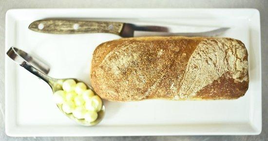 Dalen Hotel: Homemade bread