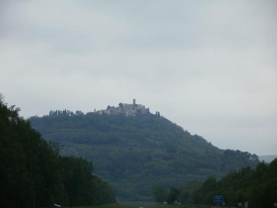 Hotel Kastel: View on Motovun from the bottom