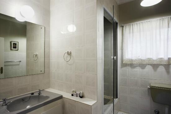 Rivierbos Guest House: Bathroom