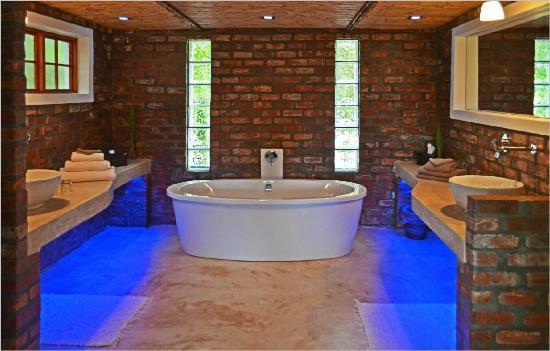 Fraai Uitzicht 1798 : The bathroom has underfloor heating