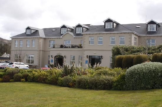 Ballyliffin Lodge & Spa Hotel: Exterior of Ballyliffin Lodge & Spa