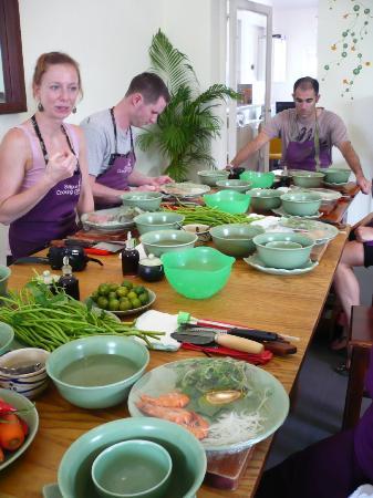 Saigon Cooking Class: the team 