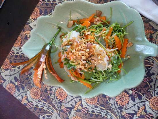 Saigon Cooking Class: the sea spinach salad