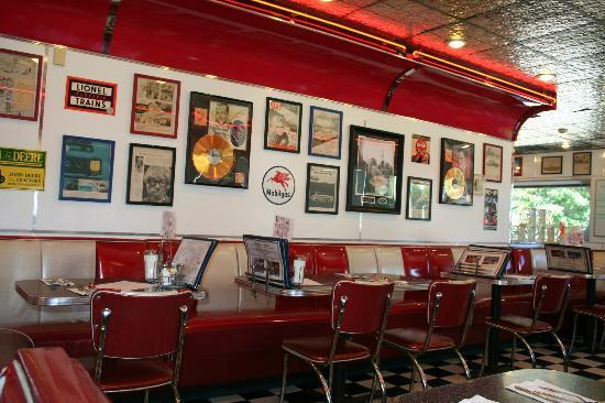 Cool decor inside picture of dave s diner middleboro