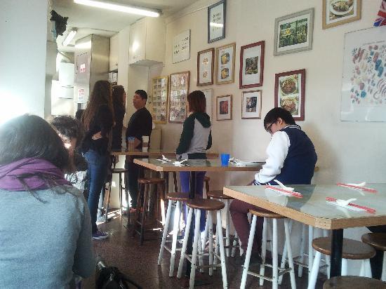 Oriental Canteen: Inside