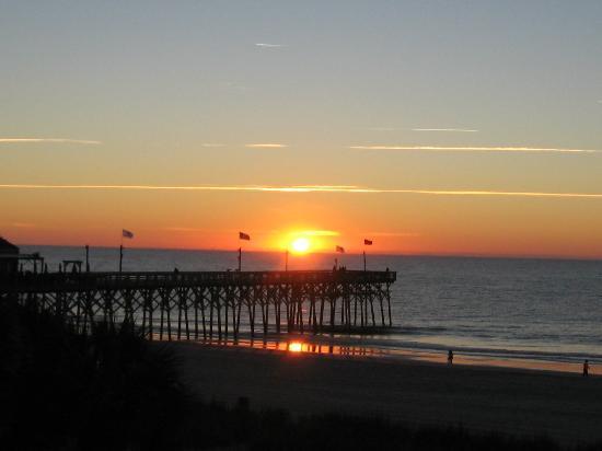 Holiday Inn at the Pavilion: Sunrise