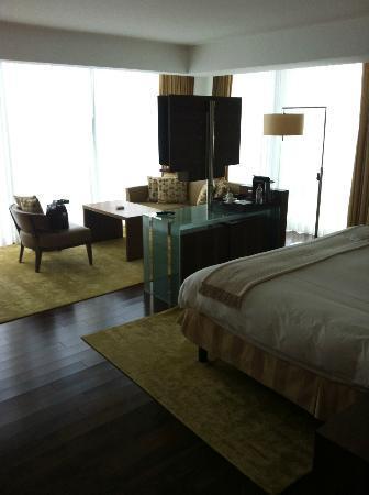 Jumeirah Frankfurt: Room