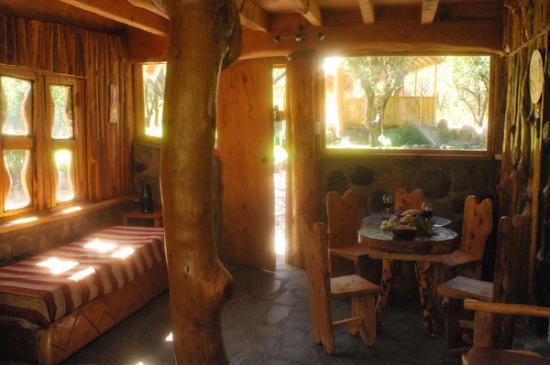 Tres Continentes: Living room