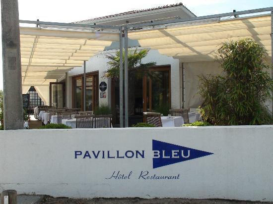 Le Pavillion bleu : La terrasse.