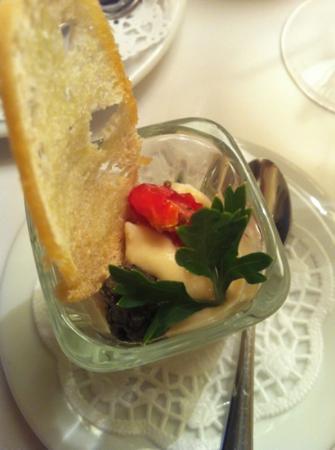 Receptoria : Комплимент от повара: мусс из сельдерея с пастой из оливок и вяленым томатом