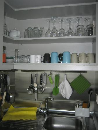 I'zaz Lofts: well equipped kitchen, rooftop
