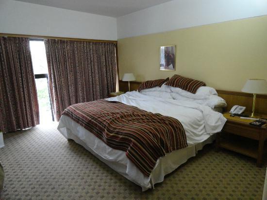 Conte Hotel: Buen tamaño de la habitación