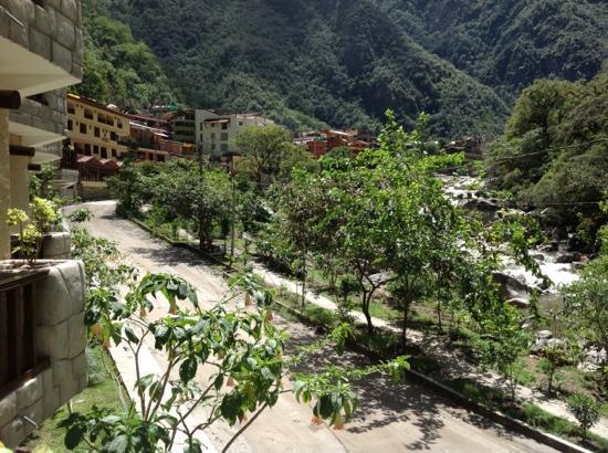 SUMAQ Machu Picchu Hotel: una vista panoramica desde el balcon