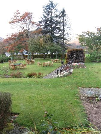 Macdonald Swan Hotel: Hotel gardens