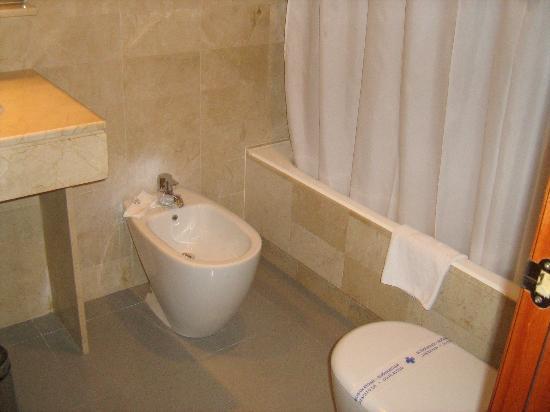 Hotel Exe AB Viladomat: il bagno