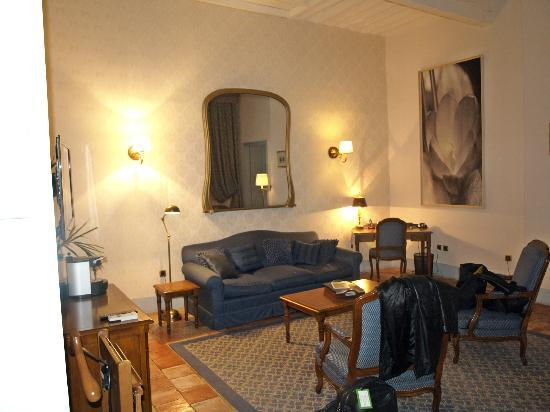 Relais & Chateaux Relais Royal: suite 208 salon