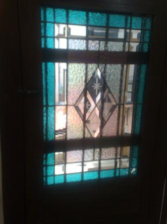 Luz En Yucatan: Window in my bathroom door