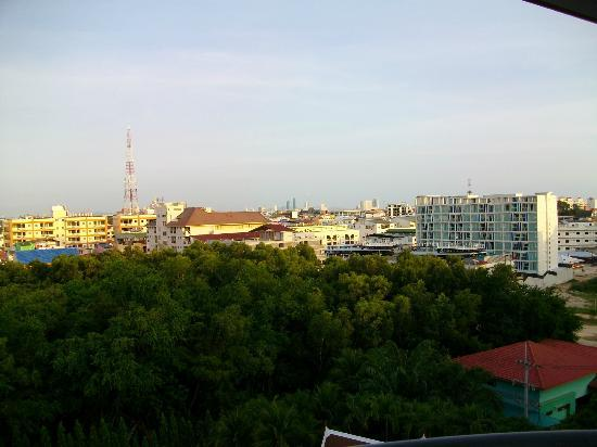 Mercure Pattaya Hotel: The view from my balcony