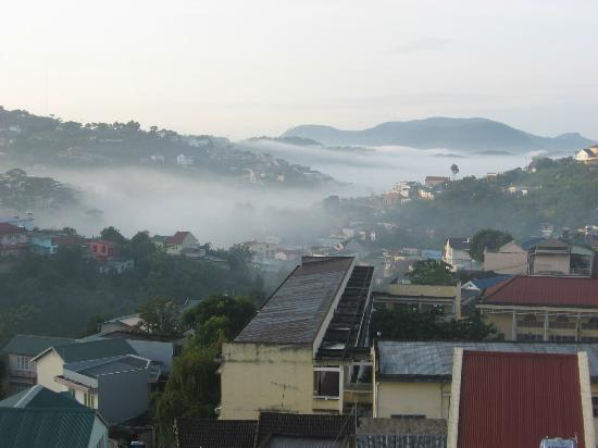 Du Parc Hotel Dalat: White clouds covering the valley
