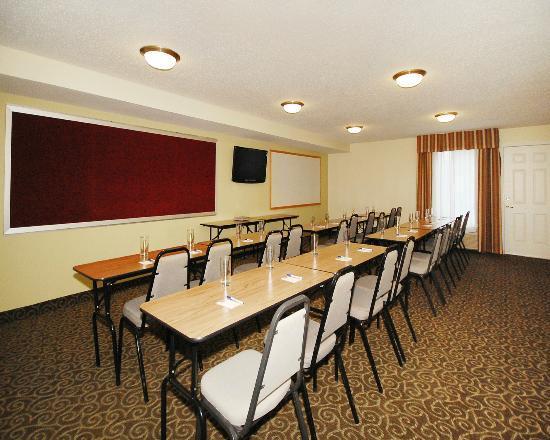 MainStay Suites: Meeting Room
