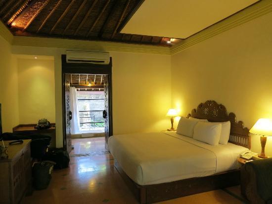 Hotel Santika Premiere Beach Resort Bali: Bungalow