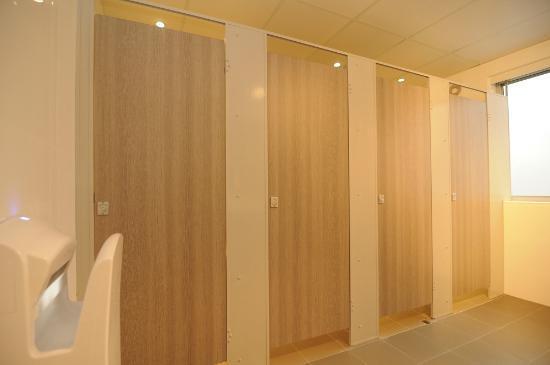 Kangaroo Inn: Bathroom