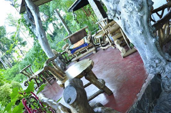 Casa Roca Inn: rest here, read a book, play music, sip coffee..etc..;)