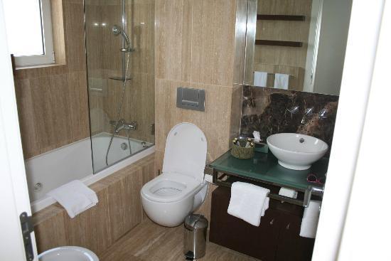 Monte Santo Resort: Badezimmer