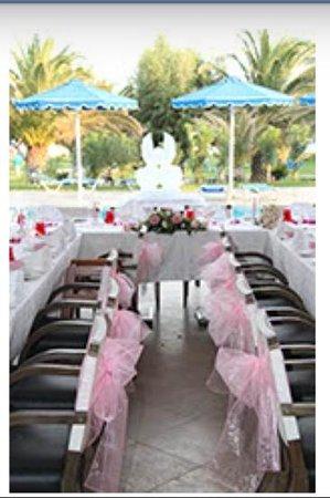 ميتسيس فاليراكي بيتش هوتل:                                     wedding dinner                                  