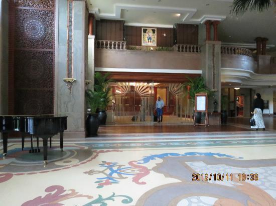 Sokha Angkor Resort: Hotel lobby