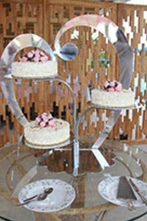 ميتسيس فاليراكي بيتش هوتل:                                     wedding cake                                  