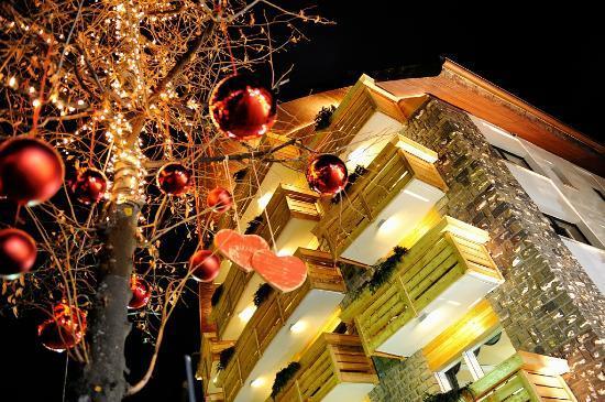 Sport Hotel San Vigilio: veduta esterno Hotel inverno
