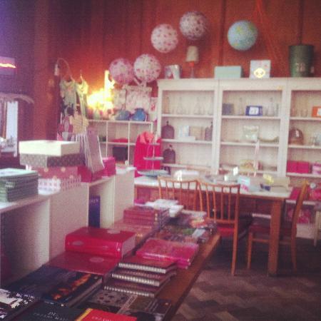 37 Grad Kaffeebar & Ladengeschäft: Piccola libreria con vista sul lago, Lindau