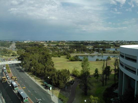 Fraser Suites Perth: view to river/parkland from level 8