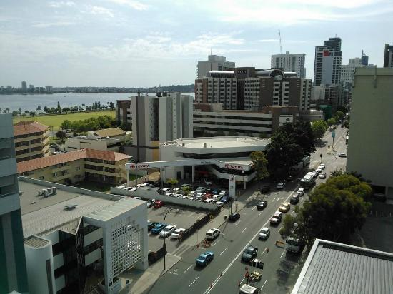 Fraser Suites Perth: view to river/city from level 8