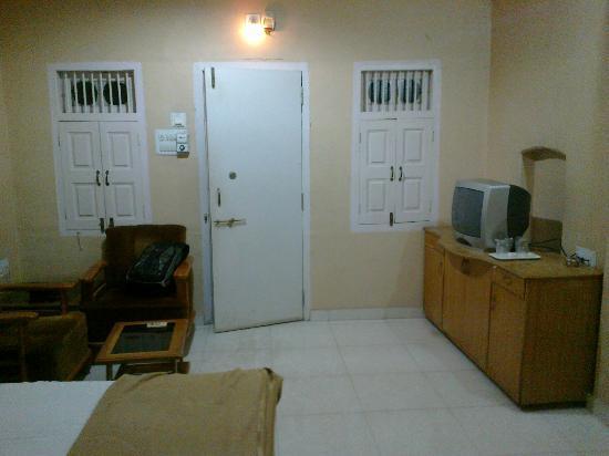 Shahibaug Hotel: room