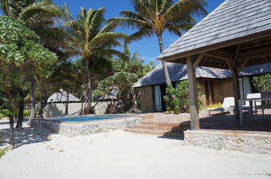 The St. Regis Bora Bora Resort: Beachfront Property