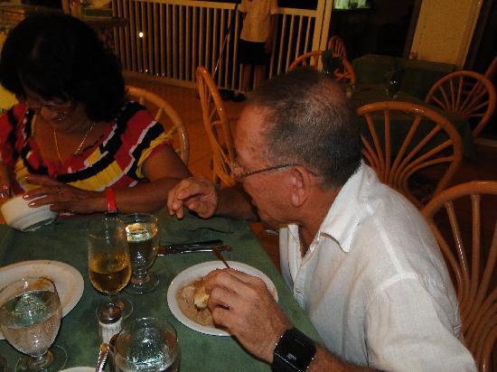 Buffet Restaurant : En el Restaurant Buffet. Roberto y Marlen