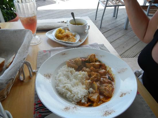 PK's @ Pasquiere Restaurant & Gastropub: Curry de poulet