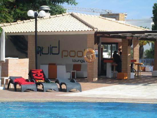 Balaia Plaza: pool bar