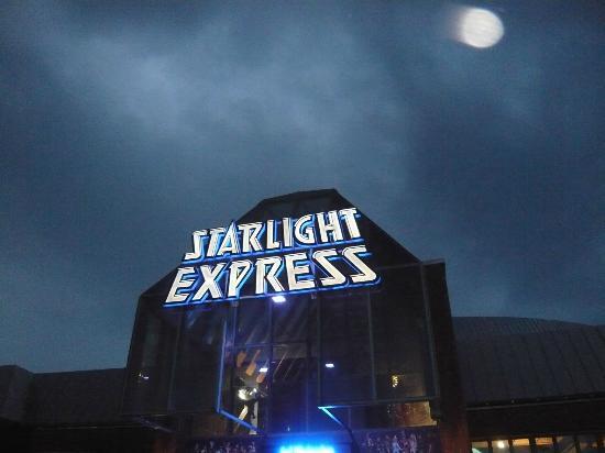 H+ Hotel Bochum: Ramada / Starlight Express