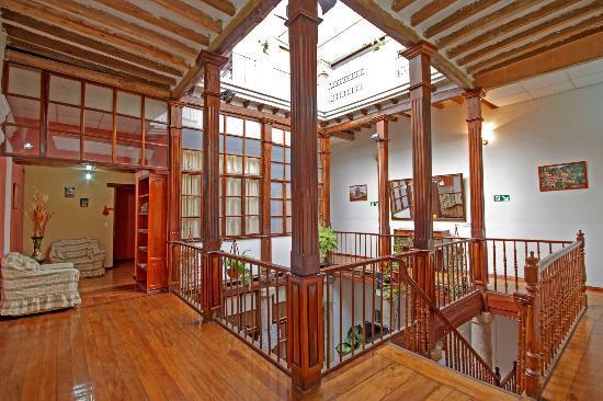 Hostal Ecuador: Hall
