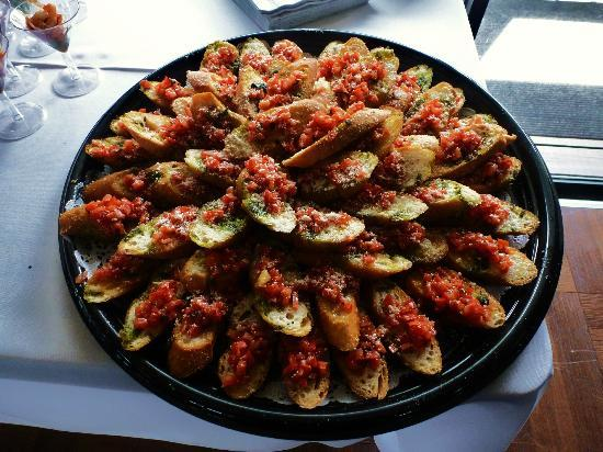 Cassariano Italian Eatery: Bruschetta