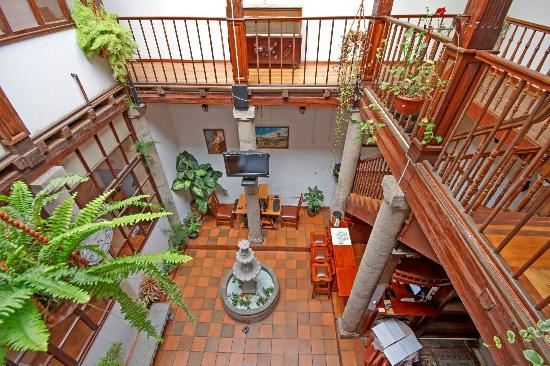 Hostal Ecuador: Hall