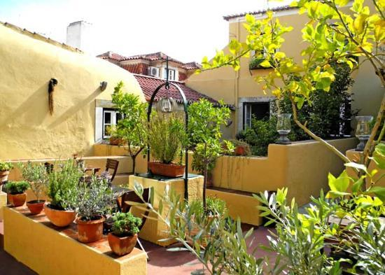 Palacio Ramalhete: Courtyard area